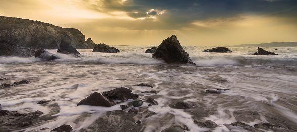 waves-breaking